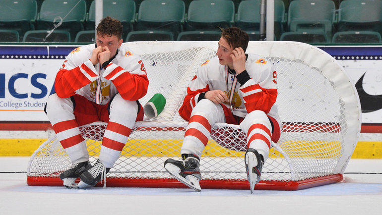 7мая. Канада U18— Россия U18— 5:3. Наши хоккеисты несмогли сдержать слез после финальной сирены.