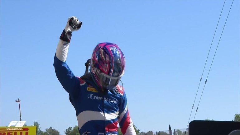 Александр Смоляр, выступающий закоманду ART, выиграл первую гонку сезона-2021 «Формулы-3». Фото twitter.com/FIAFormula3
