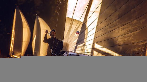 Вечерние регаты отPROyachting проходят наХимкинском водохранилище вRoyal Yacht Club.