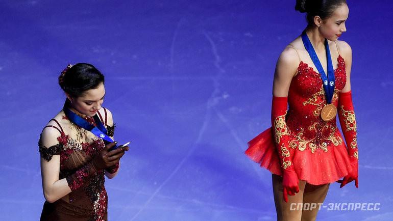 Евгения Медведева и Алина Загитова. Фото Дарья Исаева, «СЭ»