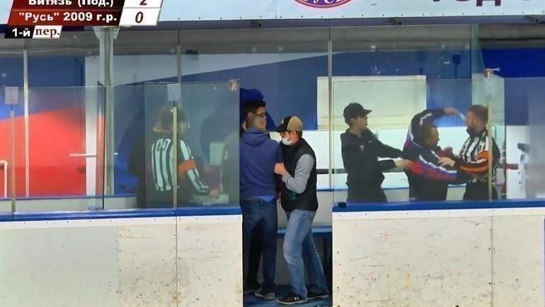Зрители матча детских команд вМоскве напали насудей.
