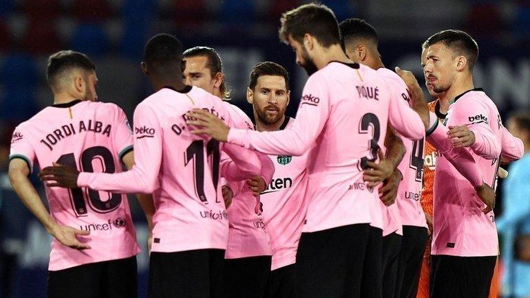 """Футболисты """"Барселоны"""". Фото Reuters"""