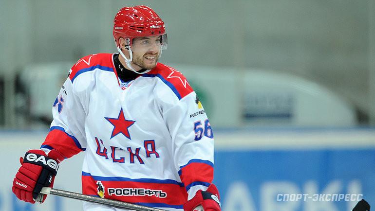 Известный хоккеист Гимаев рассказал, что мог потратить половину зарплаты заодин вечер