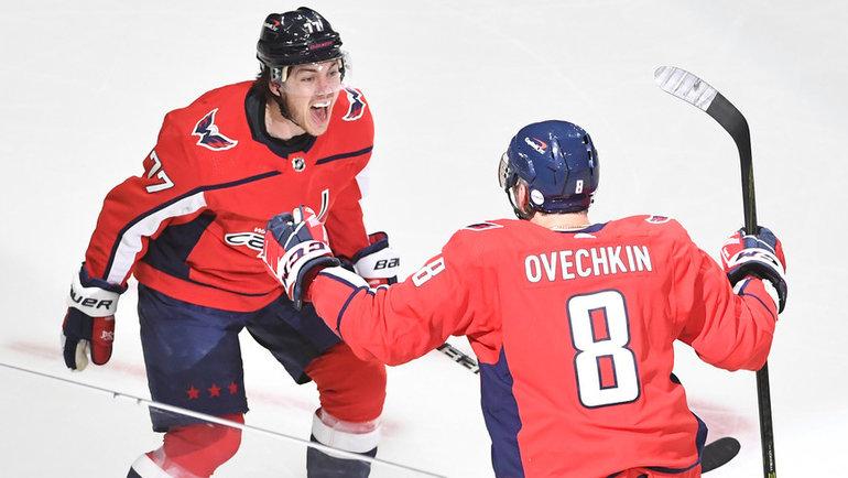 18мая. Вашингтон. «Вашингтон»— «Бостон»— 3:4 ОТ. Александр Овечкин (№ 8)и ТиДжей Оши. Фото USA Today Sports