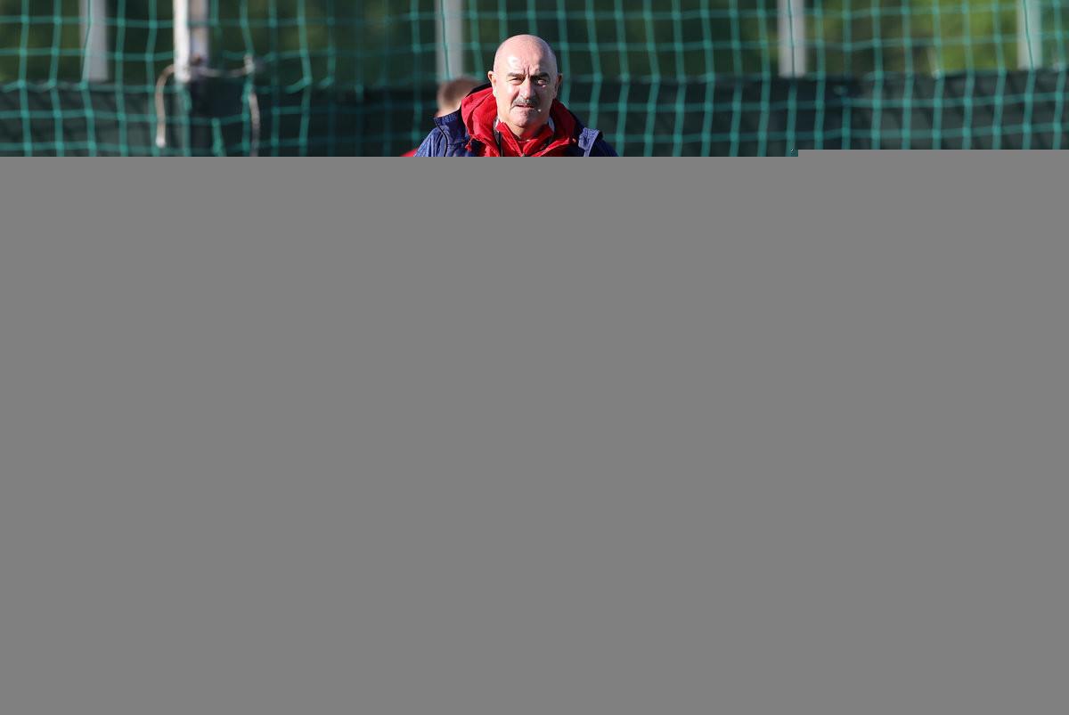 «Пришло время обыграть бельгийцев». Черчесов— после первой тренировки сборной России перед Евро