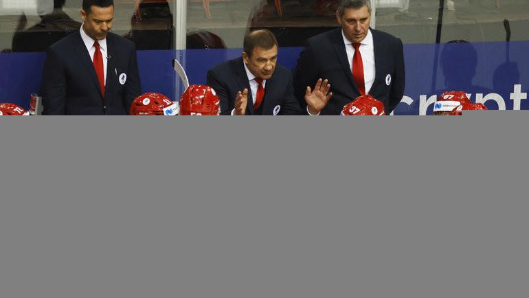 21мая. Рига. Россия— Чехия— 4:3. Валерий Брагин раздает указания. Фото Reuters