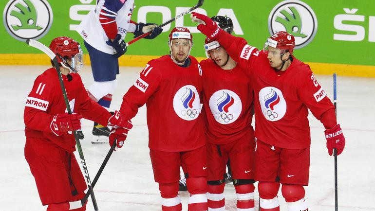 22мая. Рига. Великобритания— Россия— 1:7. Хоккеисты сборной России празднуют заброшенную шайбу. Фото Reuters