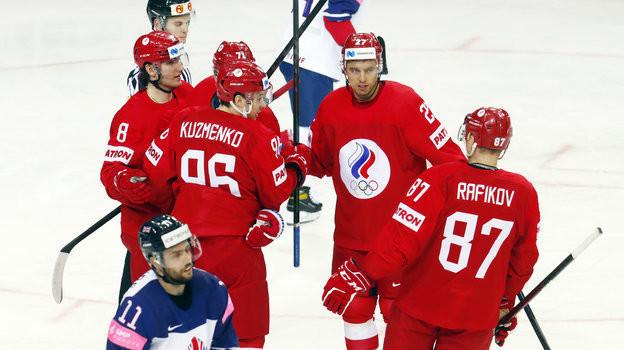 22мая. Рига. Великобритания— Россия— 1:7. Хоккеисты сборной России празднуют заброшенную шайбу.