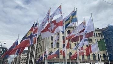 Начемпионате мира флаг Белоруссии заменили набело-красно-белый.
