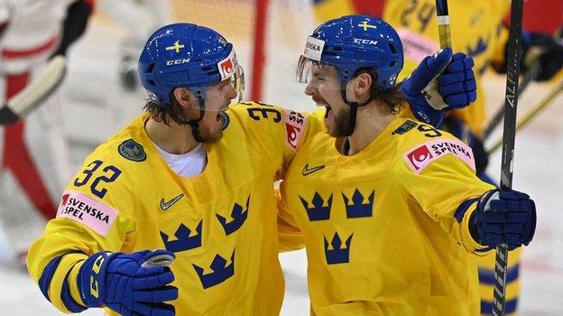 25мая. Рига. Швейцария— Швеция— 0:7. Магнус Нюгрен иАдриан Кемпе. Фото AFP