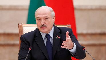 Лукашенко озамене флага Белоруссии вРиге: «Такие ситуации вызывают патриотизм иеще большее уважение кнашим символам»
