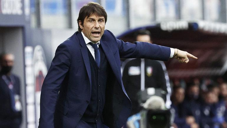 Конте ушел из «Интера» через три недели после чемпионства. Клуб считает убытки иготовится краспродаже игроков