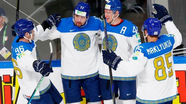 29мая. Рига. Италия— Казахстан— 3:11. Казахстанцы забросили 8 шайб втретьем периоде. Фото Reuters