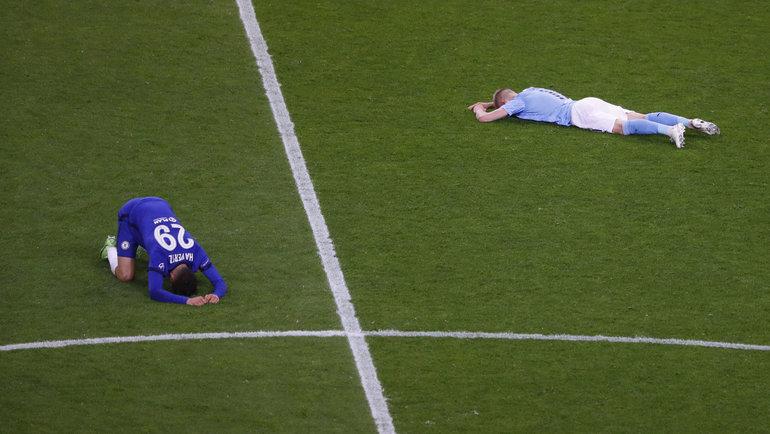 30мая. Порту. «Манчестер Сити»— «Челси»— 0:1. Кай Хаверц (слева) иАлександр Зинченко. Фото Reuters