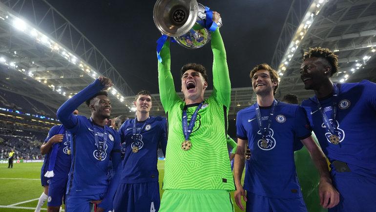 29мая. Порту. «Манчестер Сити»— «Челси»— 0:1. Футболисты «Челси» скубком Лиги чемпионов. Фото Reuters