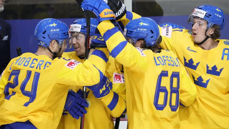 30мая. Рига. Швеция— Словакия— 3:1. Радость хоккеистов сборной Швеции. Фото Reuters