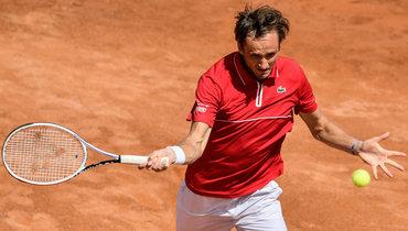 Медведев победил Бублика ивышел вовторой круг Roland Garros