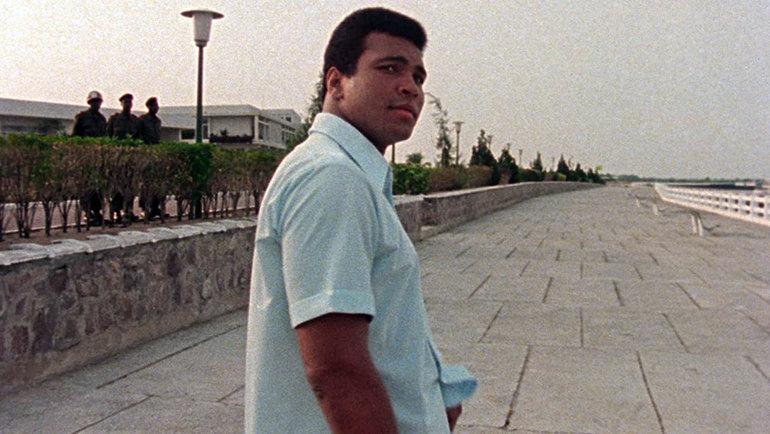 Величайший боксер вистории Мохаммед Али был известен нетолько своими победами наринге, ноиборьбой заидеалы, убеждения ирасовую справедливость.
