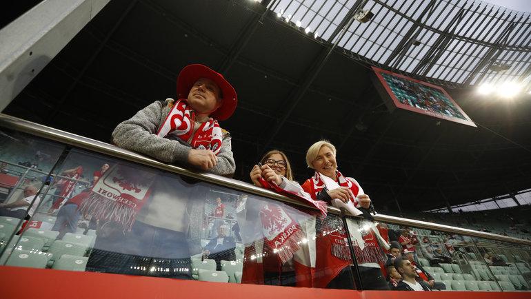 Польские болельщики во Вроцлаве. Фото Reuters