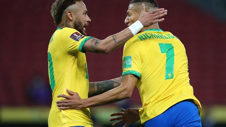 5июня. Бразилия— Эквадор— 2:0. Неймар иРишарлисон. Фото Twitter
