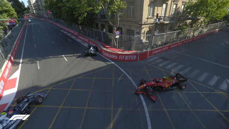 Авария на «Гран-при Азербайджана». Фото «Формула-1».