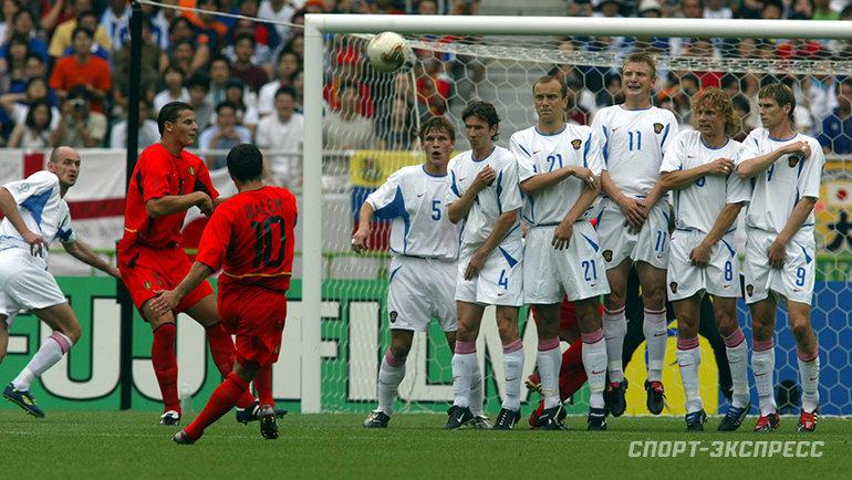 2002 год. Бельгия— Россия— 3:2. Йохан Валем забивает соштрафного. Фото Александр Федоров, «СЭ»