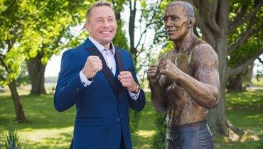 В памятнике бойцу UFC Сен-Пьеру в Канаде нашли сходство с бывшим президентом США Обамой