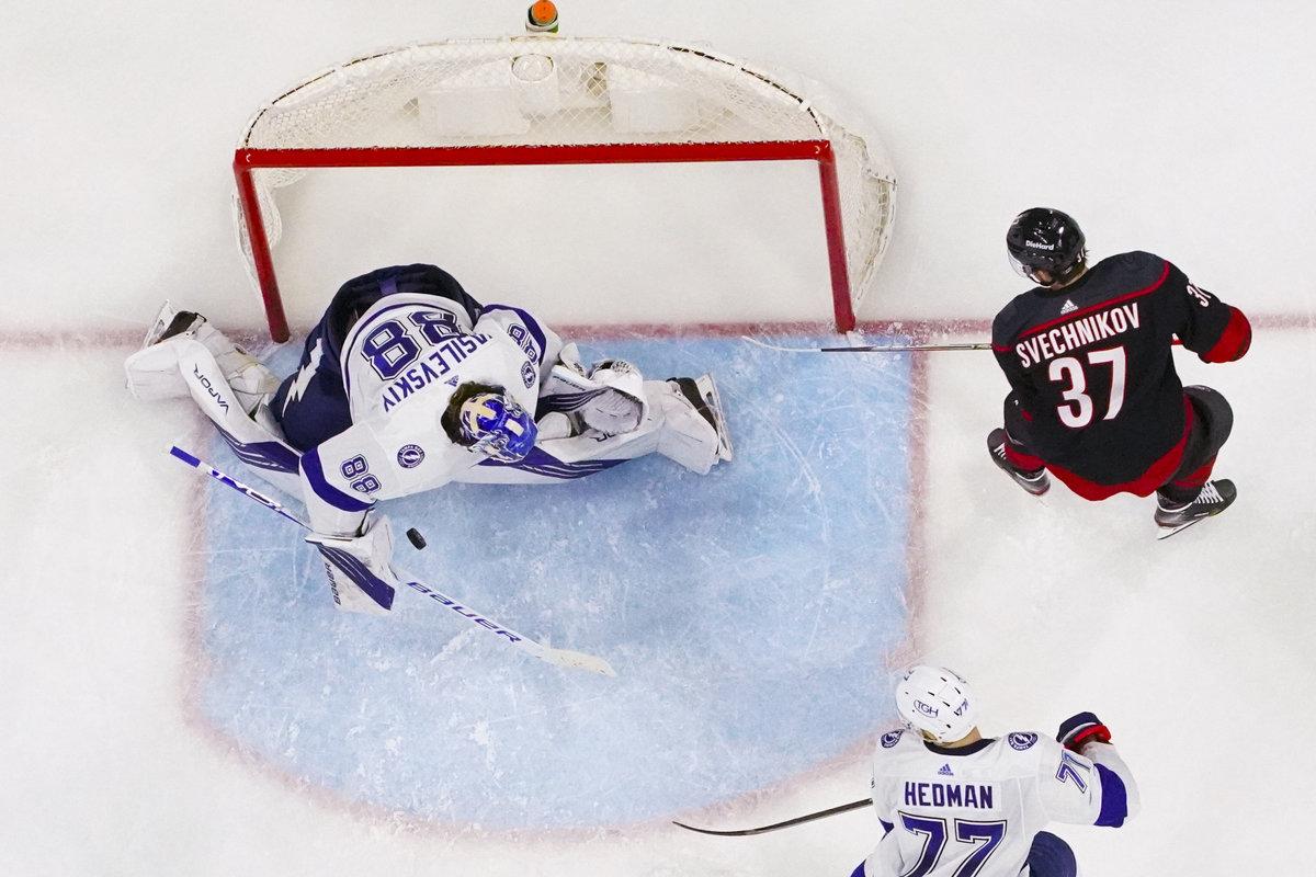 Кучеров зажигает илидирует, Василевский иВарламов тащат: лучшие наши вплей-офф НХЛ