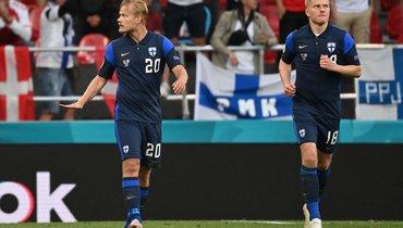 Нападающий сборной Финляндии нестал праздновать гол вворота Дании