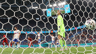 12июня. Санкт-Петербург. Бельгия— Россия— 3:0. Антон Шунин пропустил три мяча отбельгийцев.