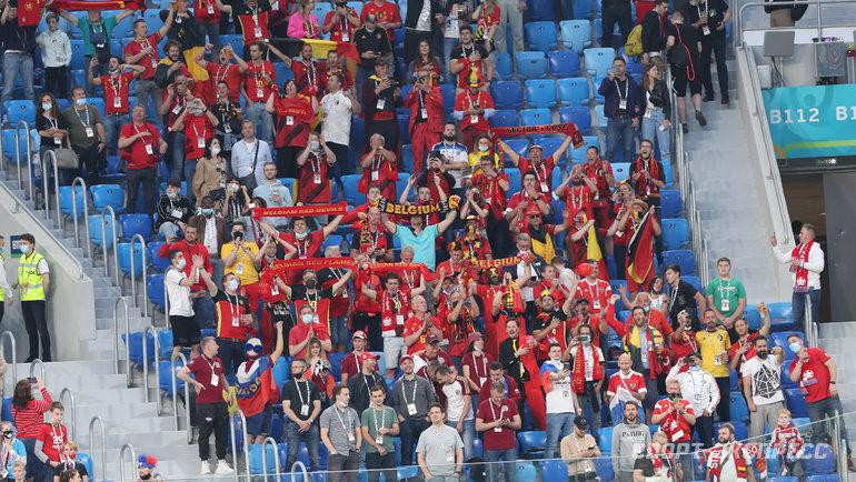 Болельщики России и Бельгии на матче Евро-2020. Фото Александр Федоров, «СЭ» / Canon EOS-1D X Mark II