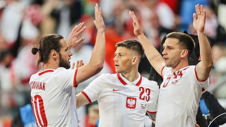 Cборная Польши сыграет против Словакии врамках группового турнира чемпионата Европы-2020. Фото Twitter