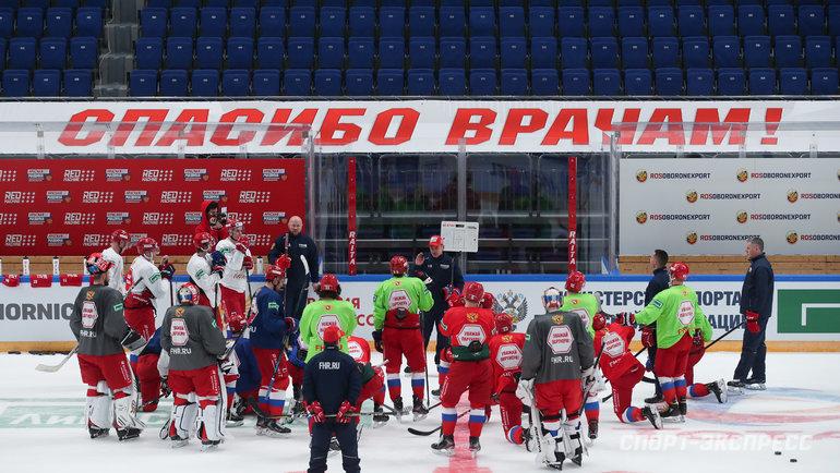 Хоккеисты. Фото Дарья Исаева, «СЭ» / Canon EOS-1D X Mark II