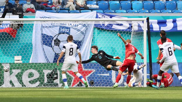 Отмененный гол сборной Финляндии в начале игры с Россией. Фото Александр Федоров, «СЭ» / Canon EOS-1D X Mark II