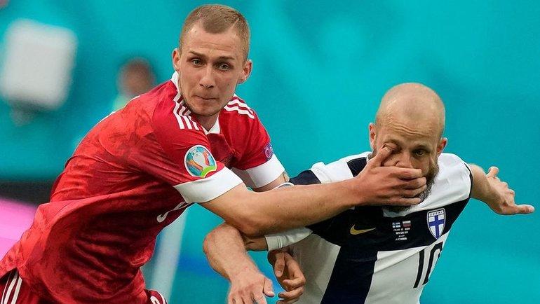 16июня. Санкт-Петербург. Финляндия— Россия— 0:1. Дмитрий Баринов (слева). Фото AFP