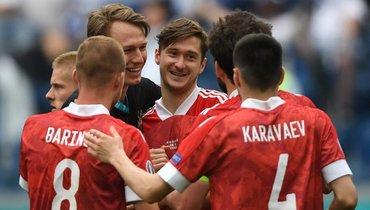 16июня. Санкт-Петербург. Финляндия— Россия— 0:1. Россияне одержали победу вматче чемпионате Европы.
