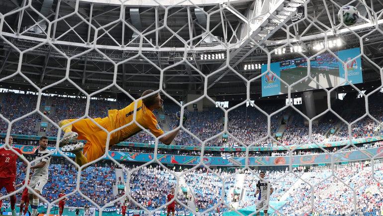 Мяч в сетке ворот финской сборной. Фото Александр Федоров, «СЭ» / Canon EOS-1D X Mark II
