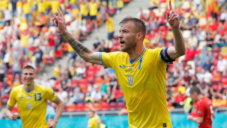17июня. Бухарест. Украина— Македония— 2:1. Нападающий сборной Украины Андрей Ярмоленко. Фото Reuters