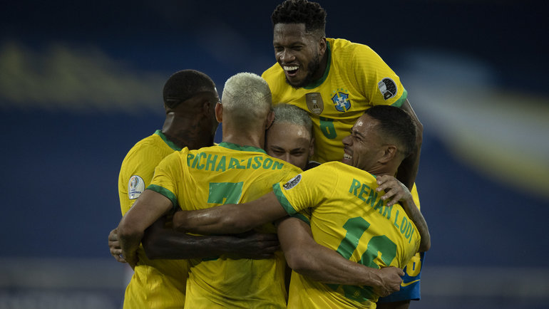 18 июня. Бразилия — Перу — 4:0. Фото Twitter