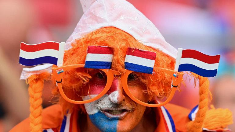 17июня. Амстердам. Нидерланды— Австрия— 2:0. Болельщик сборной Нидерландов.