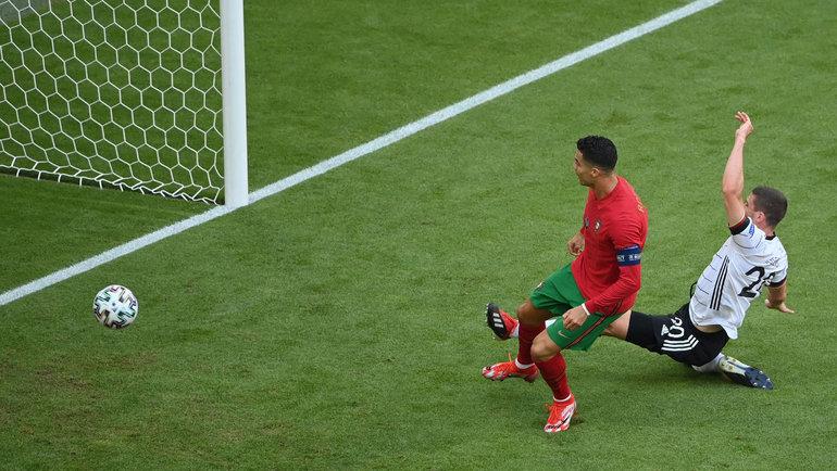 19июня. Мюнхен. Португалия— Германия. Криштиану Роналду забивает гол. Фото AFP
