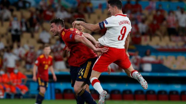 Роберт Левандовски. Фото UEFA.com