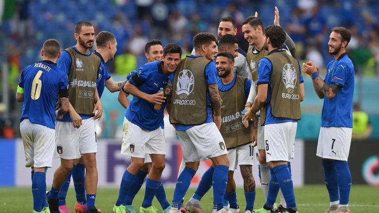 Италия выиграла группу А. Фото Сборная Италии.
