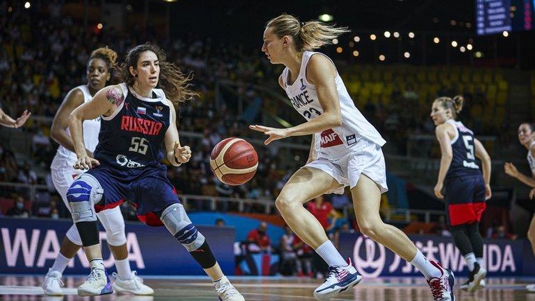 Женская сборная России проиграла команде Франции наЕвробаскете. Фото FIBA