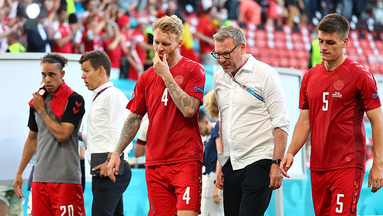 Футболисты сборной Дании после матча сБельгией. Фото Reuters