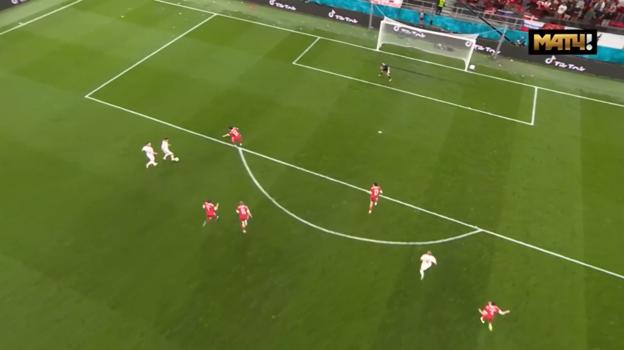 Момент четвертого гола сборной Дании вворота России.