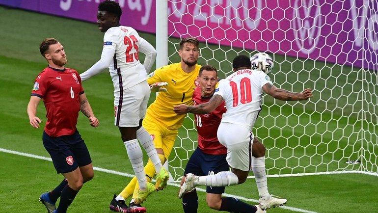 22июня. Лондон. Чехия— Англия— 0:1. 12-я минута. Рахим Стерлинг (№ 10) открывает счет. Фото AFP
