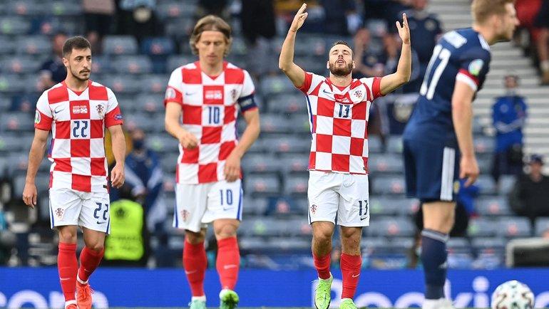 22июня. Глазго. Хорватия— Шотландия— 3:1. 17-я минута. Никола Влашич (№ 13) открыл счет вматче. Фото AFP