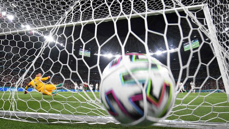 Вигре Португалия— Франция установлен рекорд поколичеству пенальти вматчах чемпионата Европы. Фото AFP