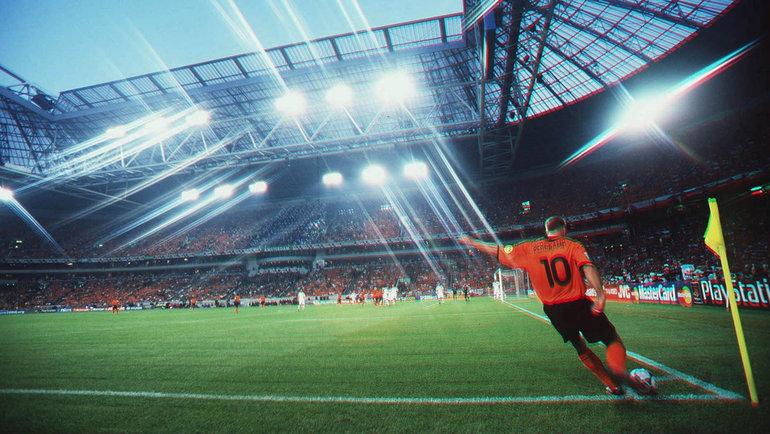 20 лет назад матч Нидерландов иЧехии наЕвро завершился грандиозным скандалом. Великий Недвед стоял наколенях перед Коллиной